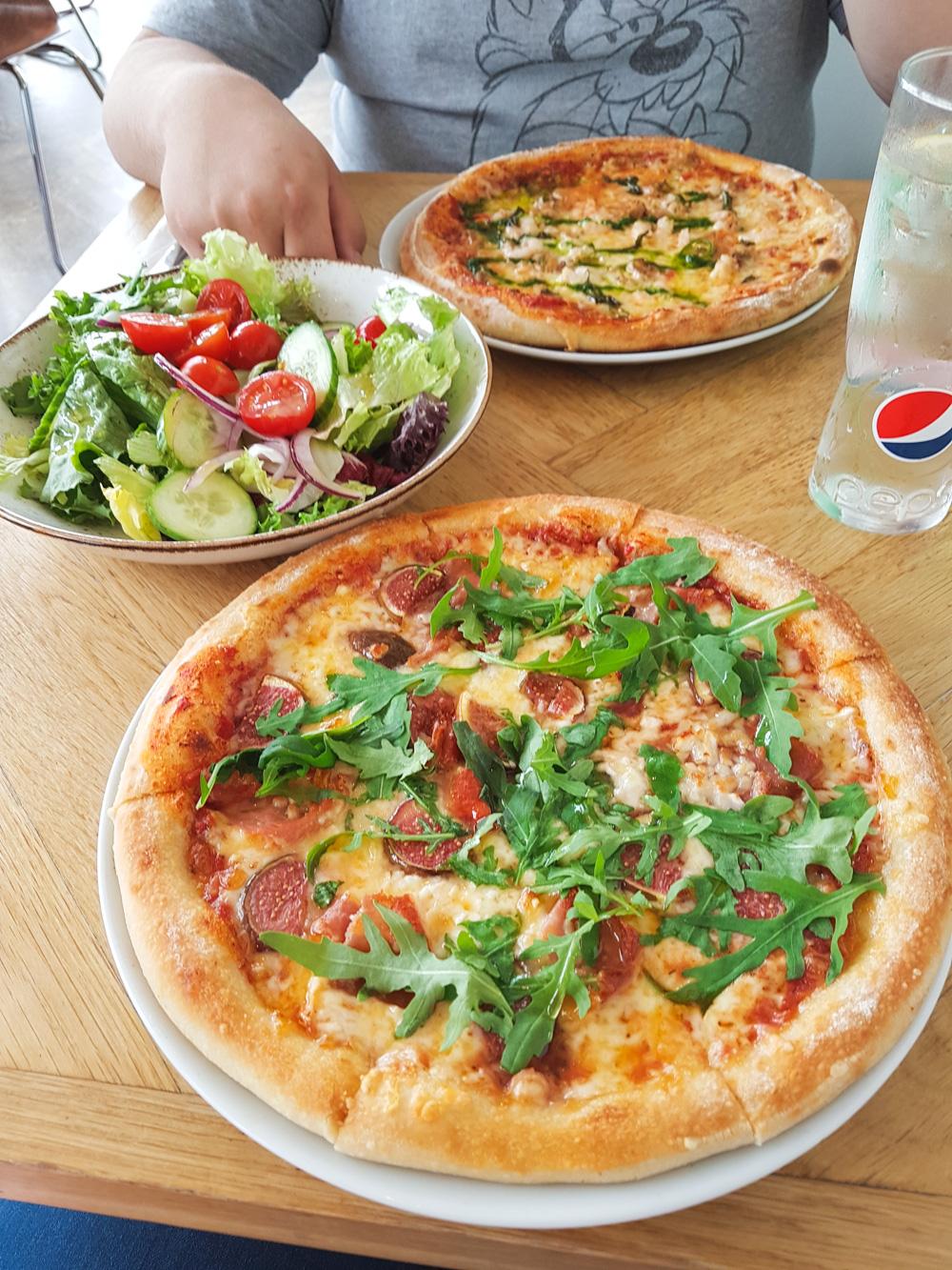 Dylans Restaurant Pizza